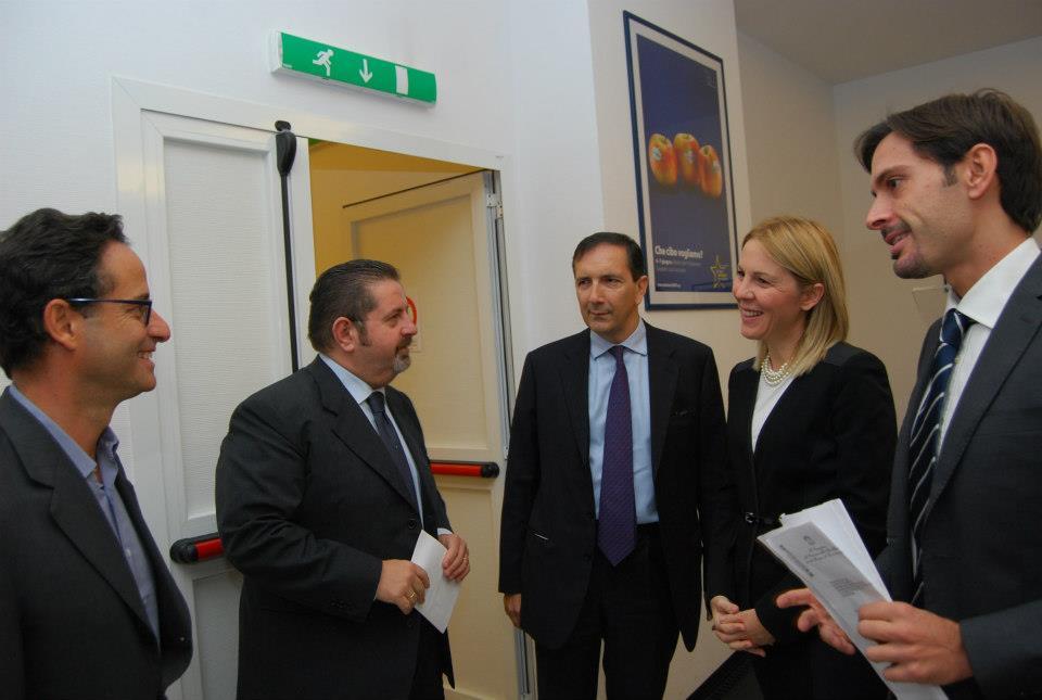 Il direttore dell'Ansa Luigi Contu e il direttore generale Rai Luigi Gubitosi con il presidente Agsp Anna Piras e il segretario Agsp Marcello Greco